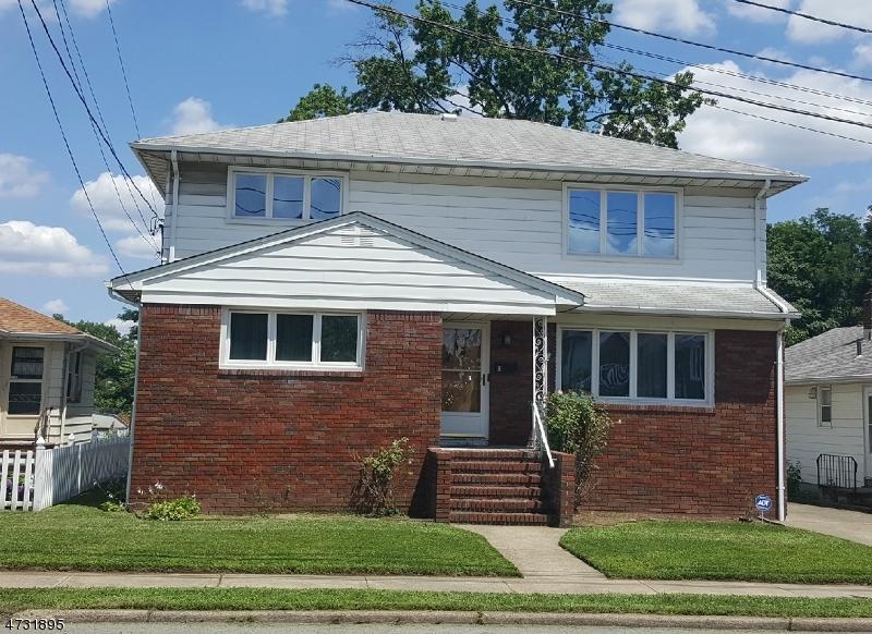 Maison avec plusieurs logements pour l Vente à Address Not Available Garfield, New Jersey 07026 États-Unis