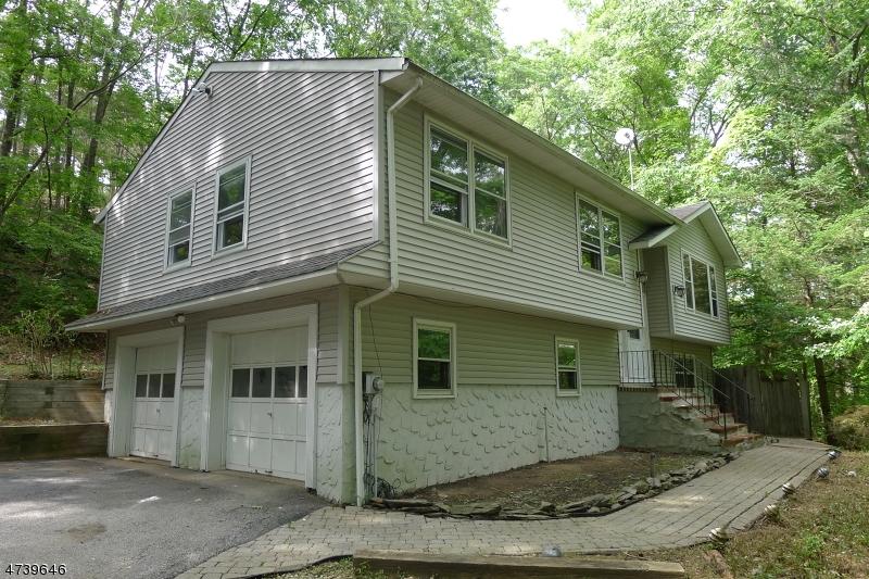 Einfamilienhaus für Verkauf beim 40 Lake Iliff Road Andover Township, New Jersey 07860 Vereinigte Staaten