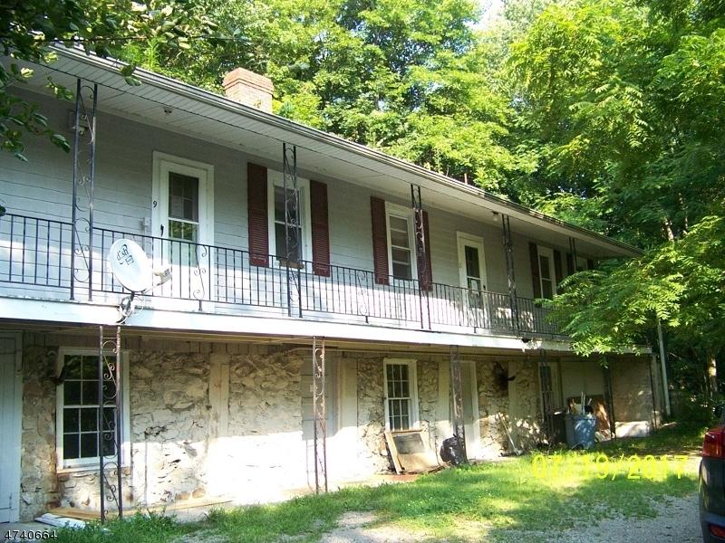 Casa Multifamiliar por un Venta en 9-11 CHURCH Street Glen Gardner, Nueva Jersey 08826 Estados Unidos