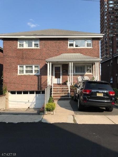 Частный односемейный дом для того Аренда на 1616 Federspiel Street Fort Lee, Нью-Джерси 07024 Соединенные Штаты