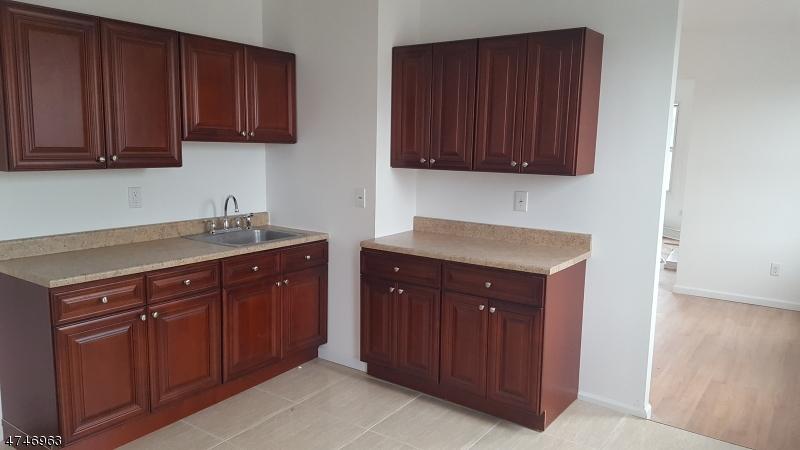 Casa Unifamiliar por un Alquiler en 797 Main Street Paterson, Nueva Jersey 07503 Estados Unidos