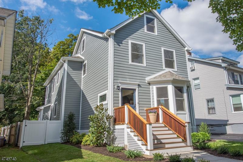 Maison unifamiliale pour l Vente à 104 Sherman Avenue Glen Ridge, New Jersey 07028 États-Unis