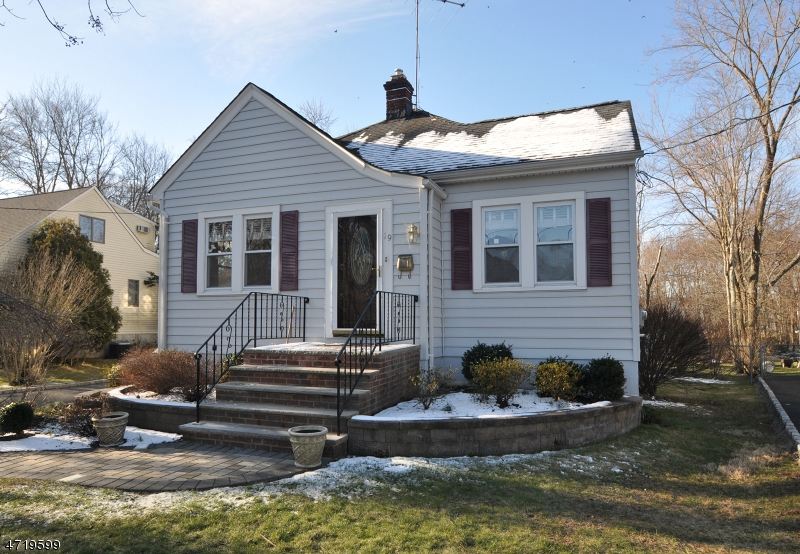 Single Family Home for Rent at 19 Union Avenue New Providence, New Jersey 07974 United States