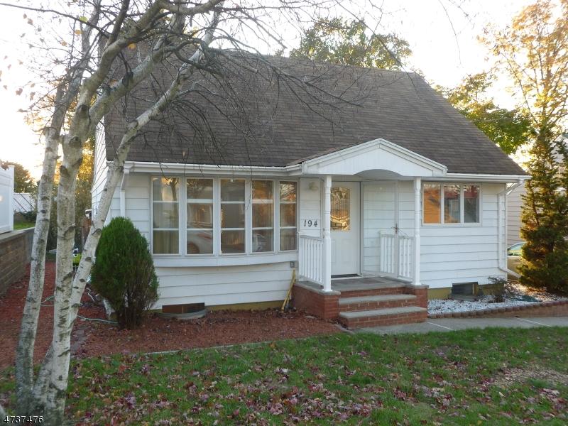 Частный односемейный дом для того Продажа на 194 Helm Avenue Wood Ridge, Нью-Джерси 07075 Соединенные Штаты