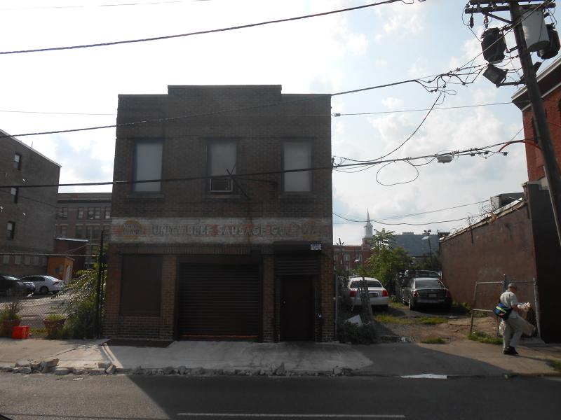 商用 為 出售 在 47 University Avenue Newark, 新澤西州 07102 美國