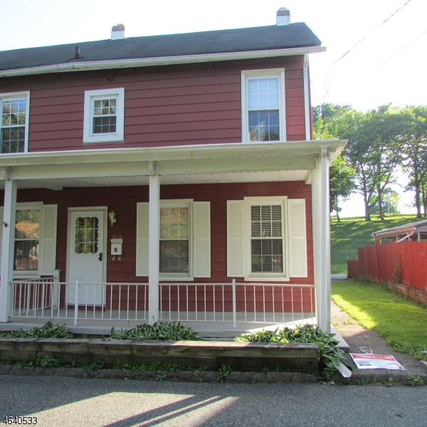 Single Family Home for Rent at 608 Warren Street Phillipsburg, New Jersey 08865 United States