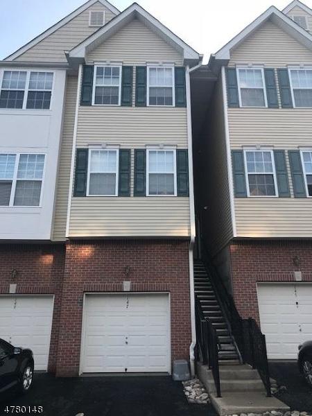 Enfamiljshus för Försäljning vid 147 Conover Ter 147 Conover Ter Lebanon, New Jersey 08833 Usa