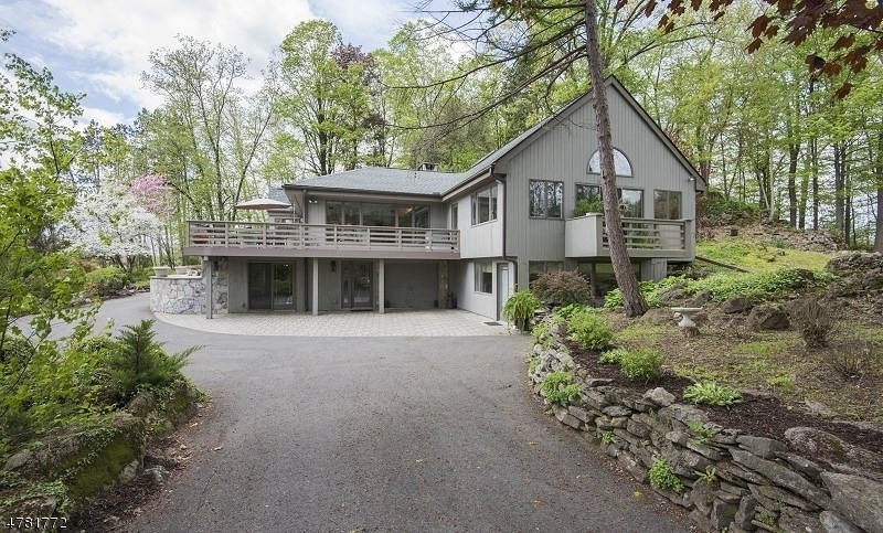 واحد منزل الأسرة للـ Sale في 42 Hibler Road 42 Hibler Road Newton, New Jersey 07860 United States