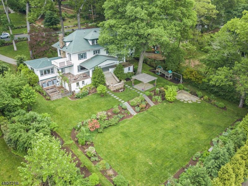 独户住宅 为 销售 在 150 Laurel Hill Road Mountain Lakes, 新泽西州 07046 美国