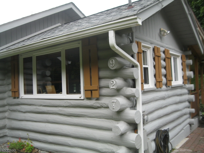 Villa per Vendita alle ore 927 S SHORE TER Stillwater, New Jersey 07860 Stati Uniti