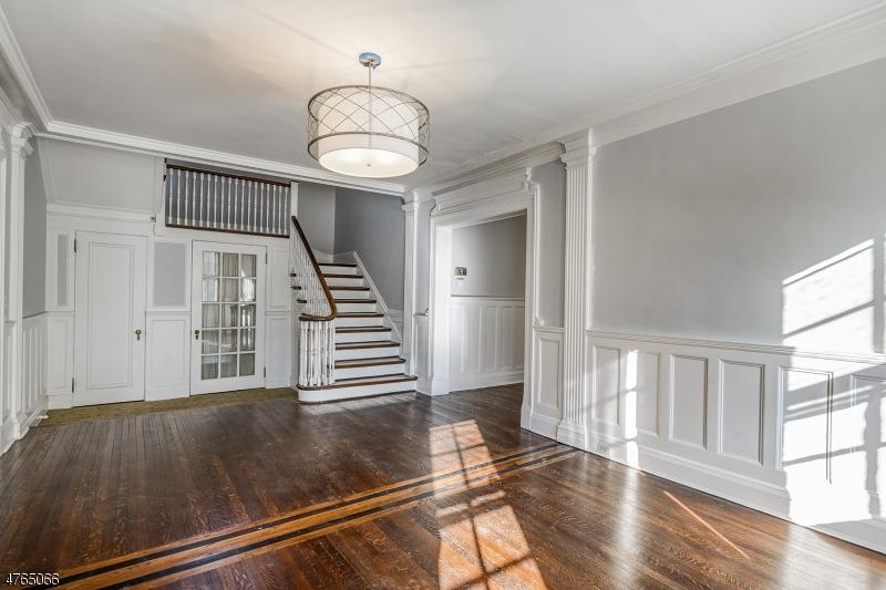 Частный односемейный дом для того Аренда на 28 PARSONAGE HILL Road Millburn, Нью-Джерси 07078 Соединенные Штаты