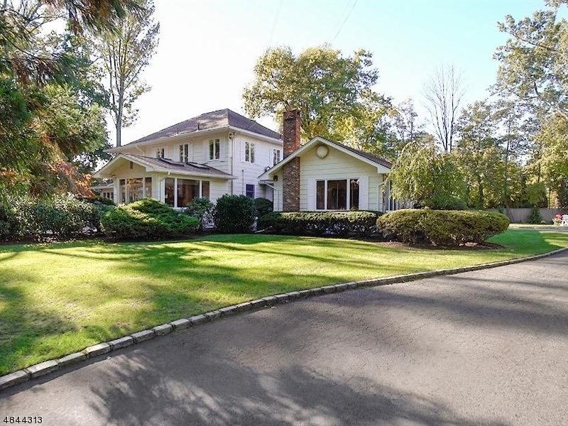 Property 为 销售 在 16 WELSH Road Essex Fells, 新泽西州 07021 美国