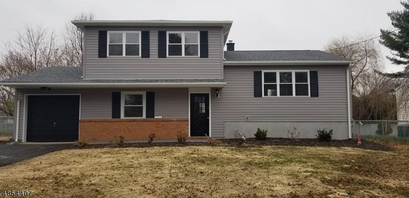 Maison unifamiliale pour l Vente à 121 PLEASANT VIEW Road Hackettstown, New Jersey 07840 États-Unis