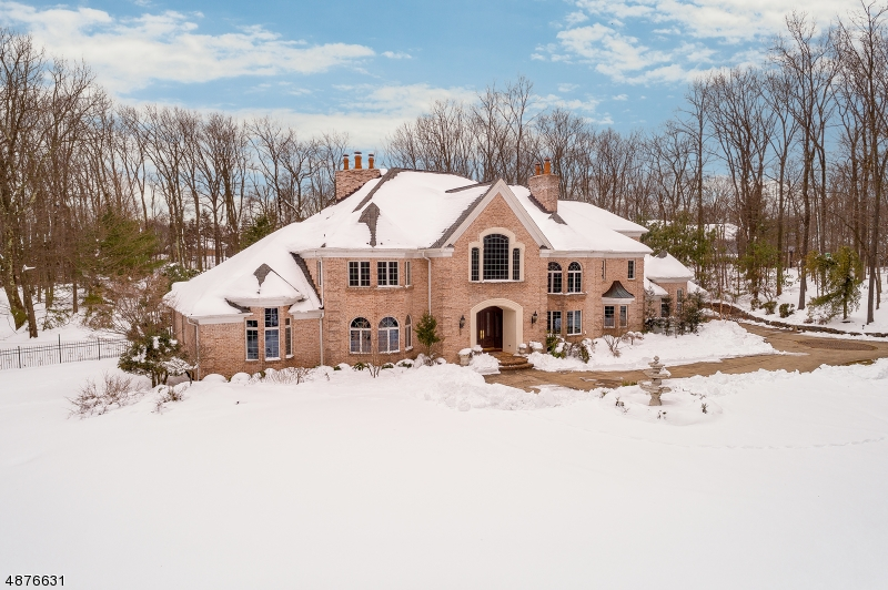 Single Family Home for Sale at 5 QUEENS CT 5 QUEENS CT Mendham, New Jersey 07960 United States