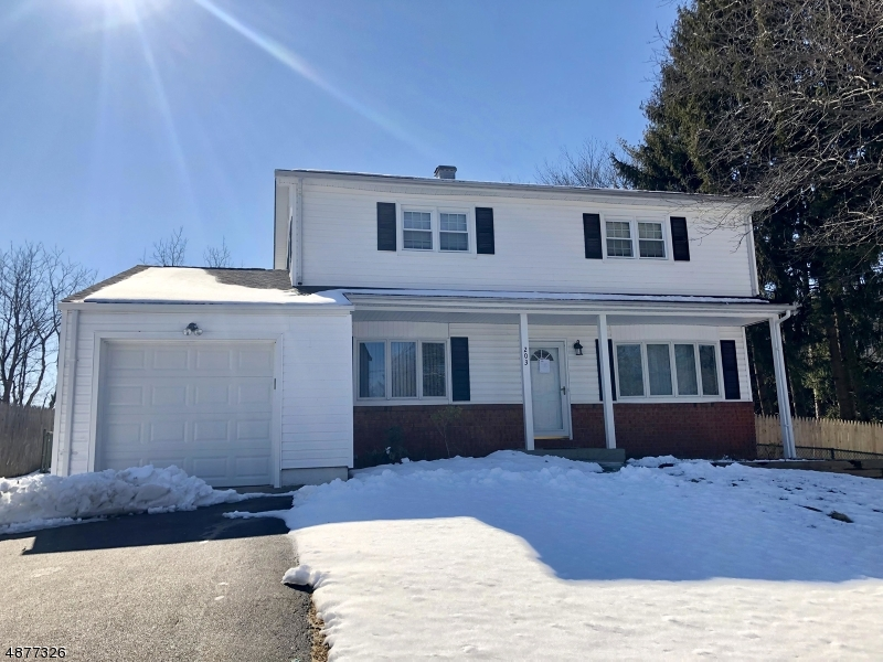 Casa para uma família para Venda às 203 COLLEGE VIEW Drive Hackettstown, Nova Jersey 07840 Estados Unidos