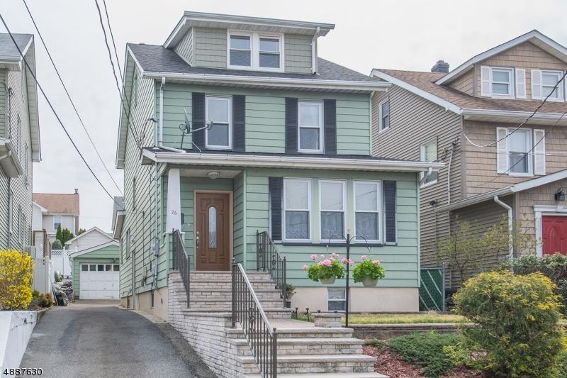 Maison unifamiliale pour l Vente à 26 ROOSEVELT Street North Arlington, New Jersey 07031 États-Unis