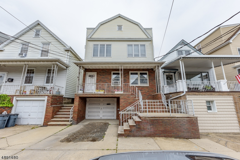 Multi-Family Homes للـ Sale في Bayonne, New Jersey 07002 United States