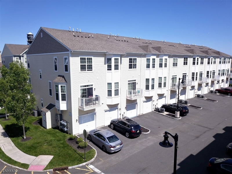 Condo / Townhouse للـ Sale في Garfield, New Jersey 07026 United States