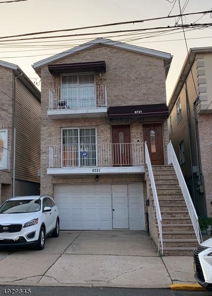Multi-Family Homes para Venda às Guttenberg, Nova Jersey 07093 Estados Unidos