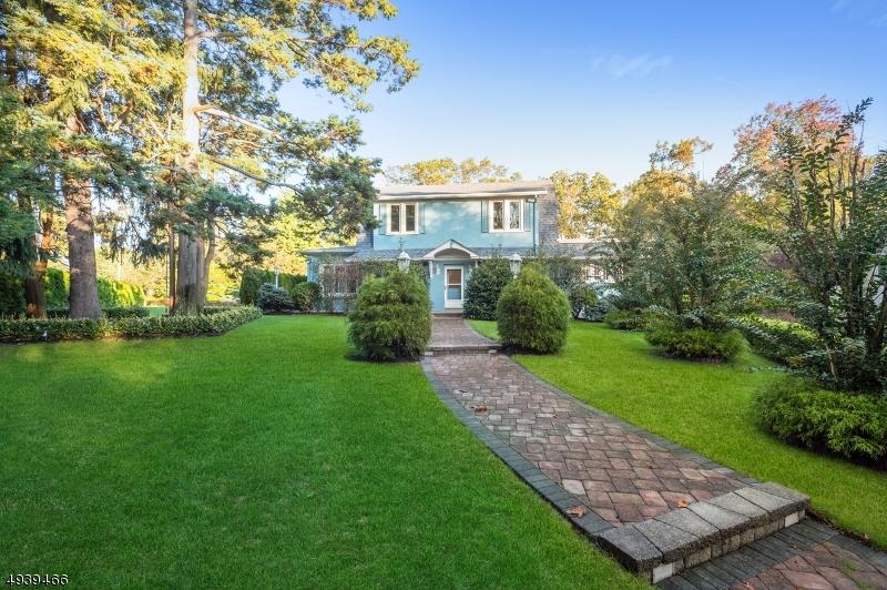 Single Family Homes pour l Vente à Ocean, New Jersey 07712 États-Unis
