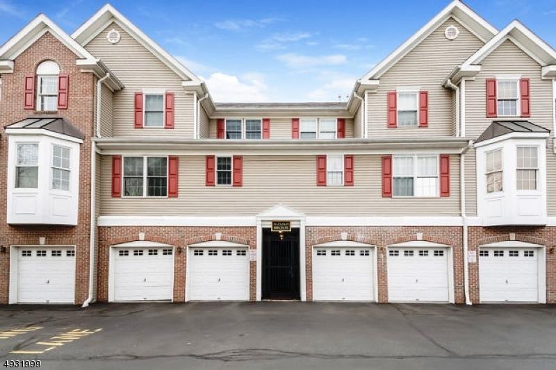Кондо / дом для того Продажа на Ridgefield Park, Нью-Джерси 07660 Соединенные Штаты