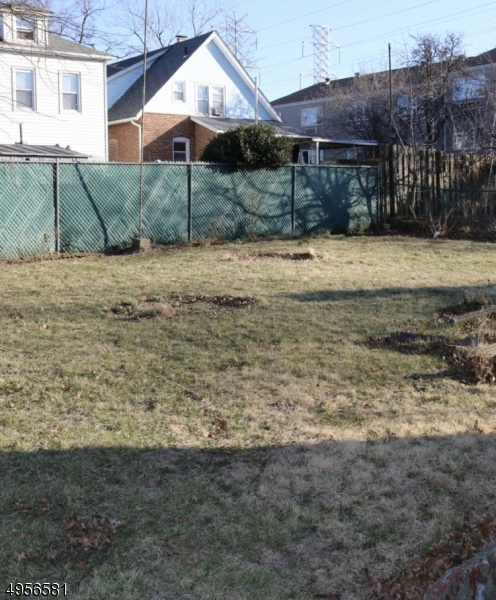Additional photo for property listing at  Nutley, New Jersey 07110 Stati Uniti