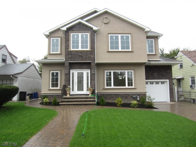 Single Family Homes 용 매매 에 Clifton, 뉴저지 07011 미국