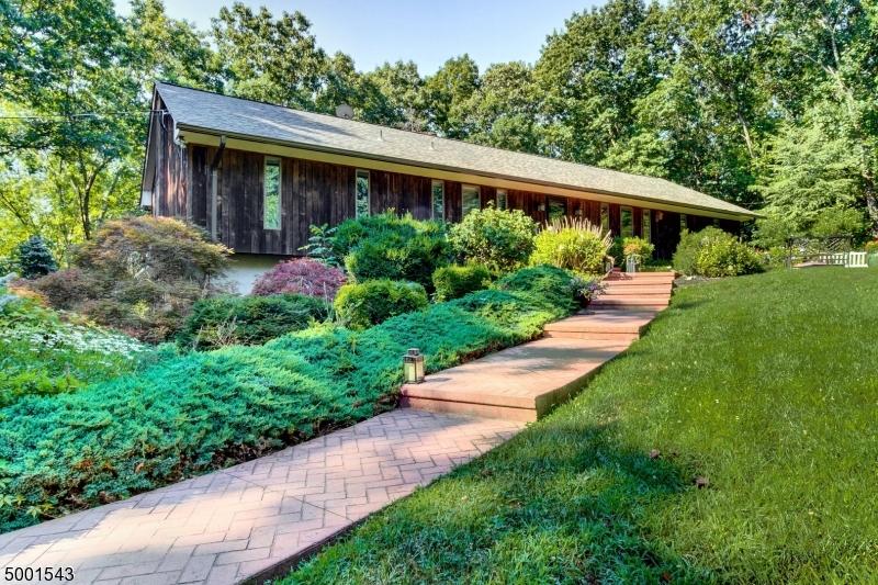 Single Family Homes для того Продажа на Blairstown, Нью-Джерси 07825 Соединенные Штаты
