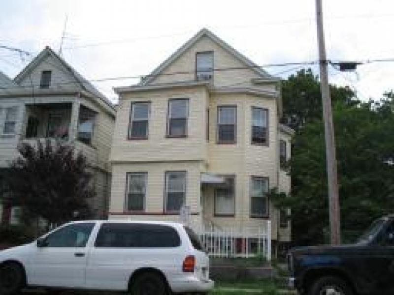 Casa Multifamiliar por un Venta en Address Not Available Paterson, Nueva Jersey 07514 Estados Unidos