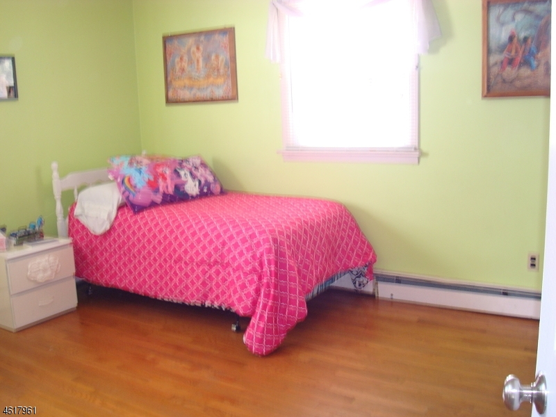 Additional photo for property listing at 36 Grant Avenue  East Hanover, New Jersey 07936 United States