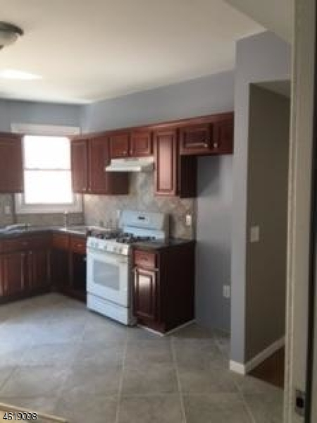 Additional photo for property listing at 19-21 FARLEY Avenue  Newark, New Jersey 07108 United States