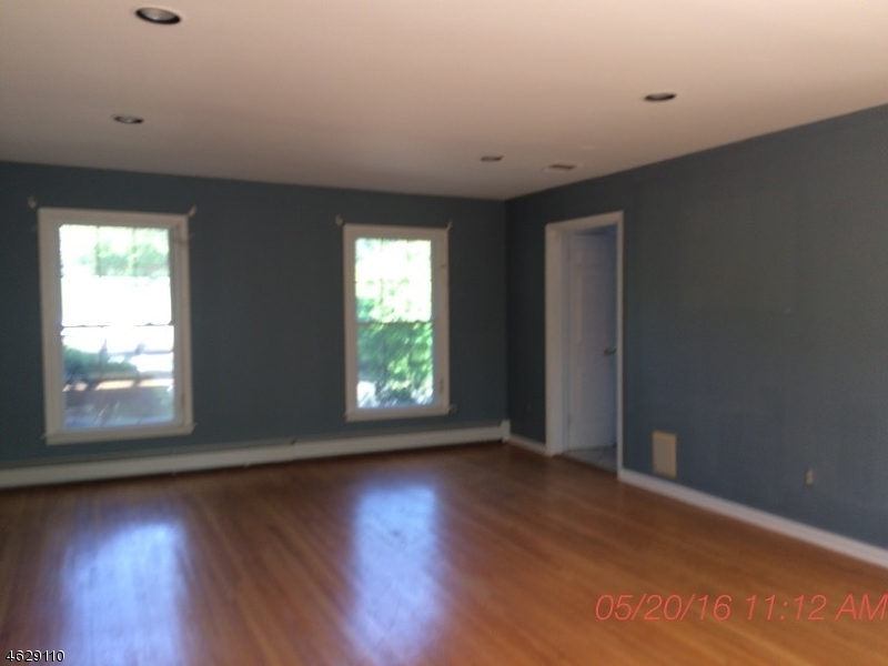 Additional photo for property listing at 9 Winchester Drive  Califon, Nueva Jersey 07830 Estados Unidos