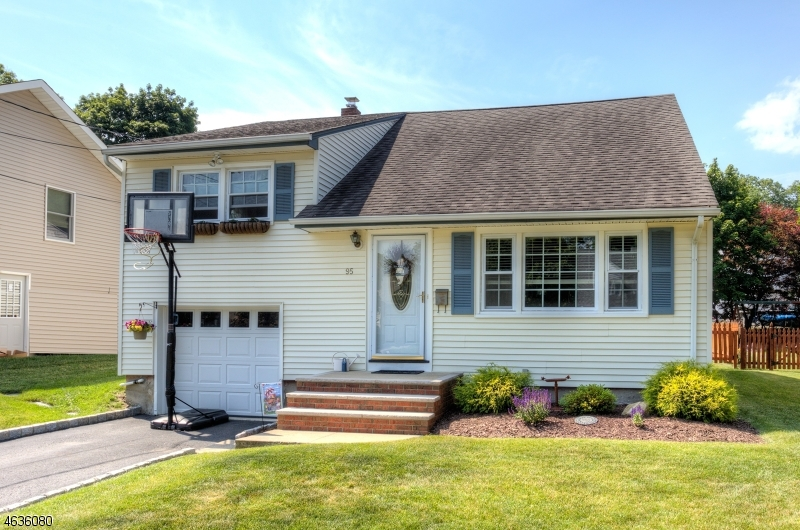 Single Family Home for Sale at 95 Wiltop Road Netcong, 07857 United States