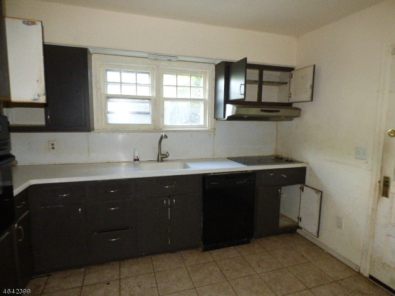 Additional photo for property listing at 82 Buckwheat Road  Franklin, Нью-Джерси 07416 Соединенные Штаты