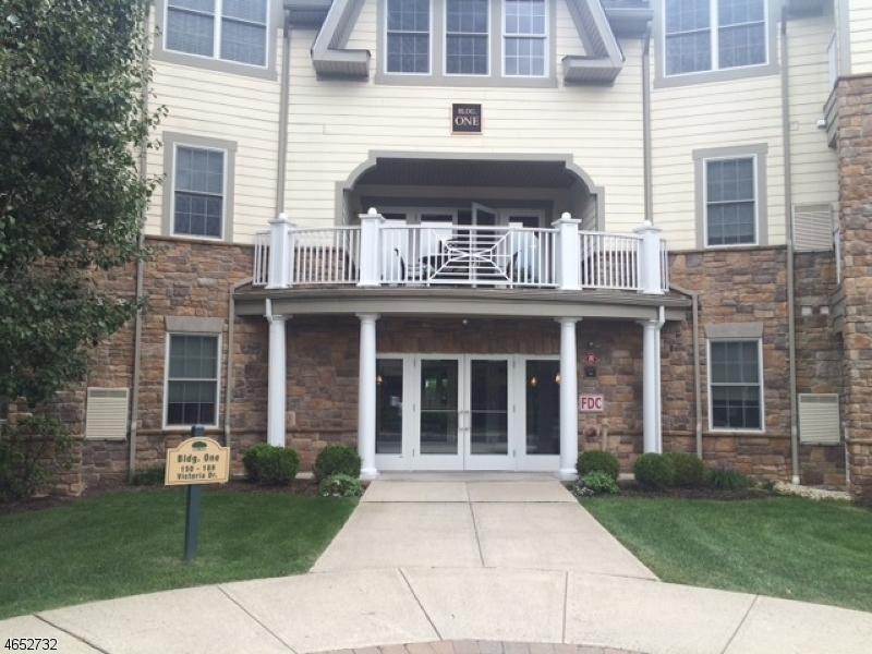 Maison unifamiliale pour l Vente à 174 Victoria Drive Bridgewater, New Jersey 08807 États-Unis