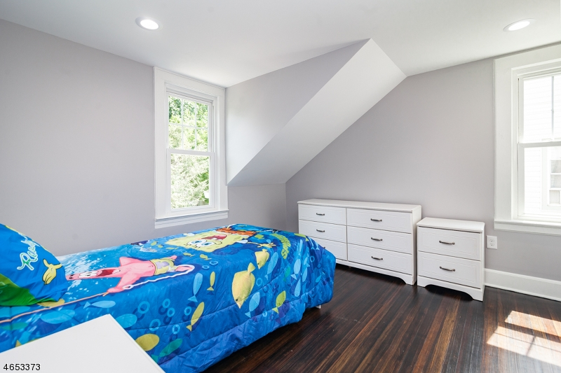 Additional photo for property listing at 56 Peachtree Road  Maplewood, New Jersey 07040 États-Unis
