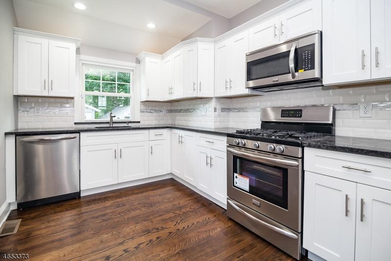 Maison unifamiliale pour l Vente à 56 Peachtree Road Maplewood, New Jersey 07040 États-Unis