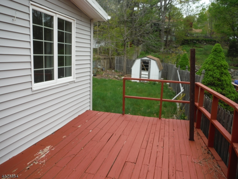 Additional photo for property listing at 14 Mountainside Road  West Milford, Нью-Джерси 07480 Соединенные Штаты