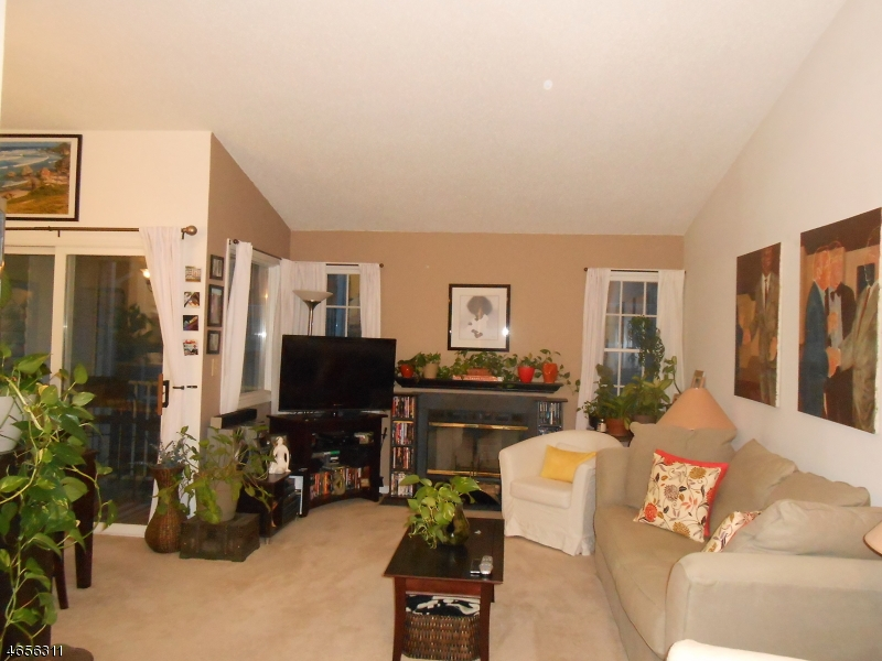 Additional photo for property listing at 331 Edpas Road  New Brunswick, Nueva Jersey 08901 Estados Unidos