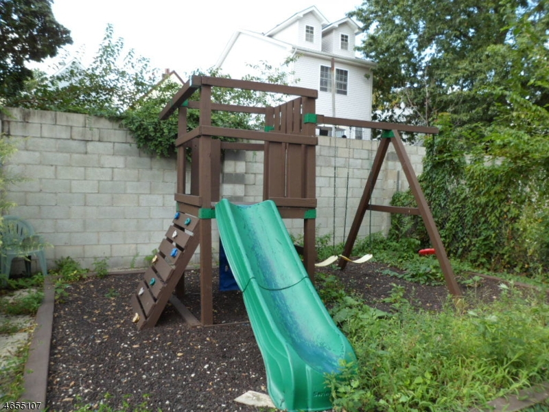 Additional photo for property listing at 497 S 18th Street  Newark, Nueva Jersey 07103 Estados Unidos