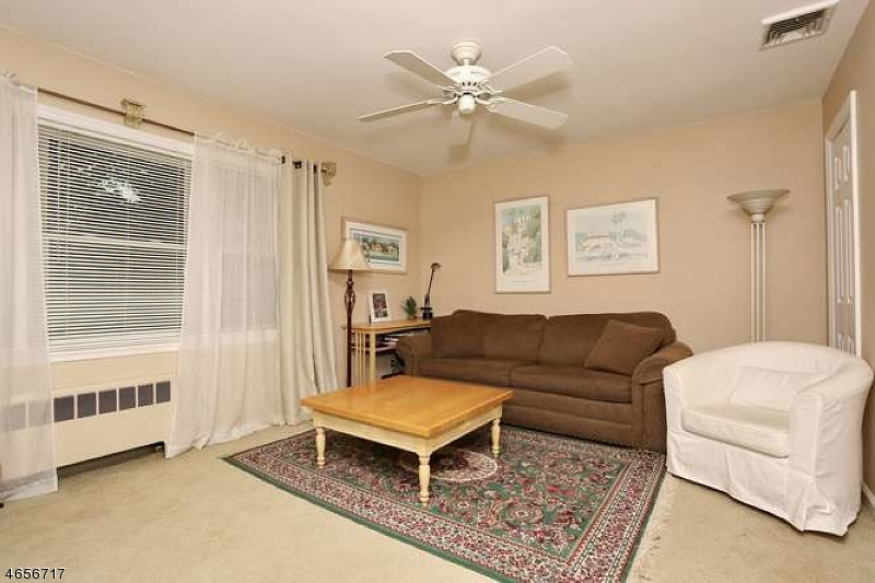 Additional photo for property listing at 105 N Spruce Street  Ramsey, Nueva Jersey 07446 Estados Unidos