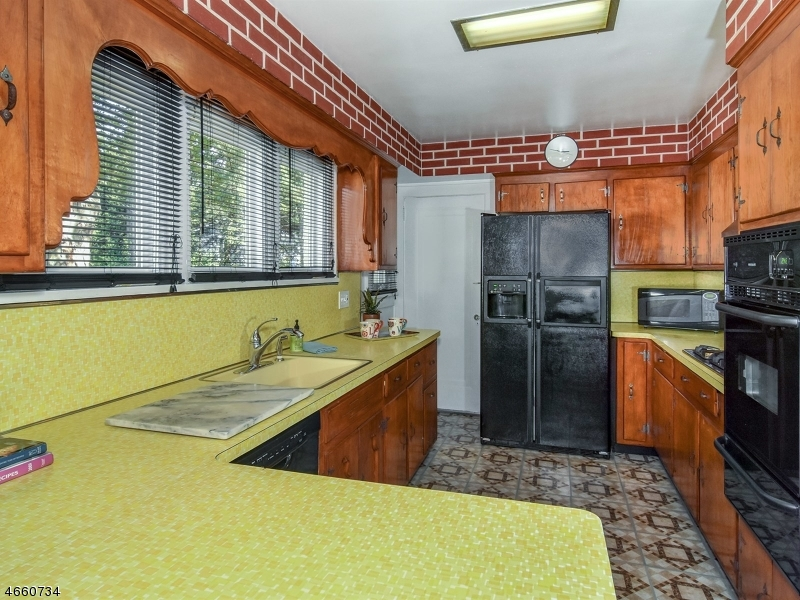 Additional photo for property listing at 3 Tuscan Road  Maplewood, Nueva Jersey 07040 Estados Unidos