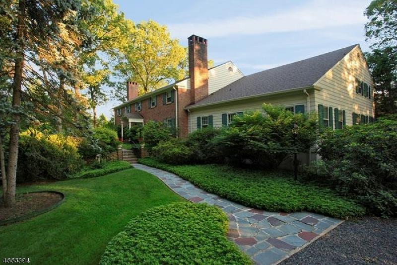 Частный односемейный дом для того Продажа на 900 Fox Hill Lane Scotch Plains, Нью-Джерси 07076 Соединенные Штаты