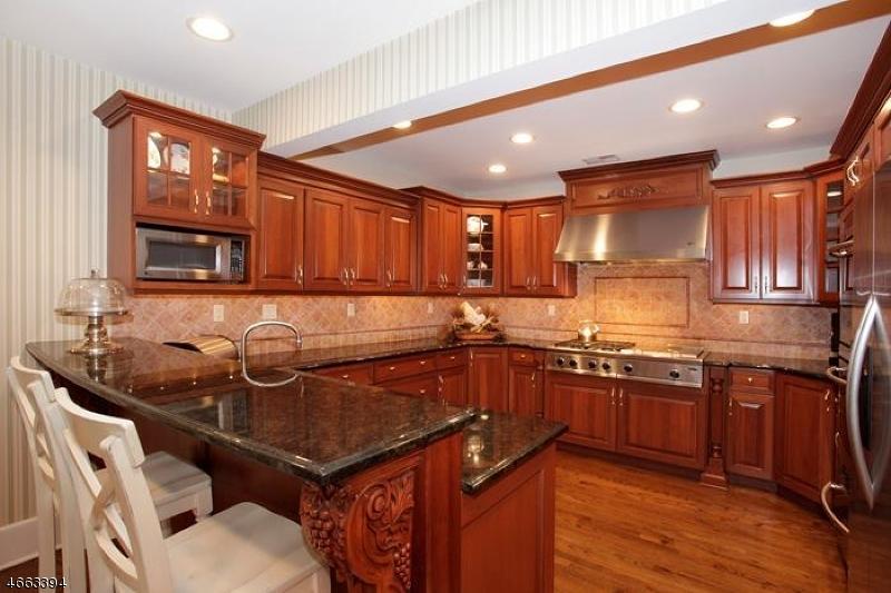 Additional photo for property listing at 900 Fox Hill Lane  Scotch Plains, Нью-Джерси 07076 Соединенные Штаты