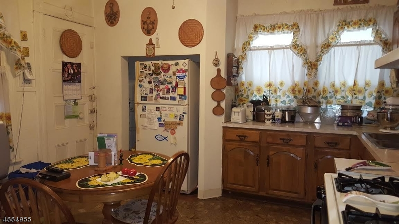 Additional photo for property listing at 71 N 11th Street  Newark, Нью-Джерси 07107 Соединенные Штаты