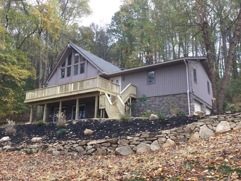 独户住宅 为 销售 在 46 Staats Road 布鲁姆斯伯里, 新泽西州 08804 美国
