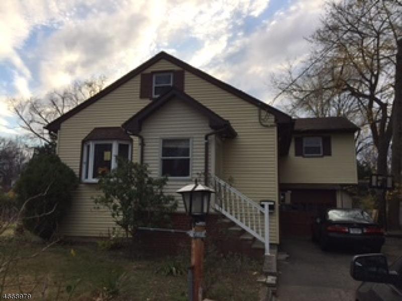 Частный односемейный дом для того Продажа на 9 Beech Street Pequannock, Нью-Джерси 07440 Соединенные Штаты