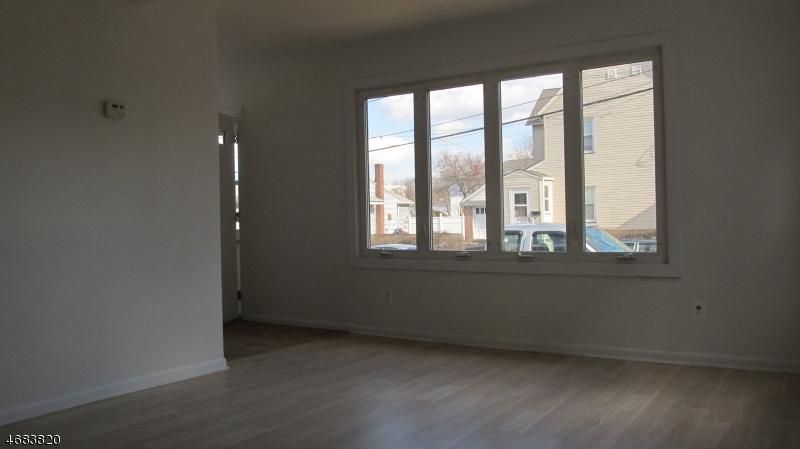 Maison unifamiliale pour l à louer à 304 N 11th Street Kenilworth, New Jersey 07033 États-Unis