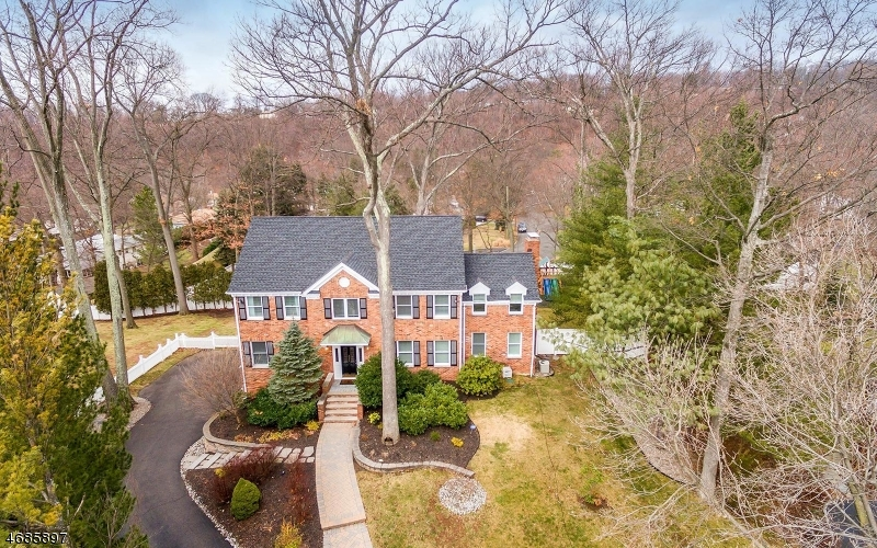 Single Family Home for Sale at 235 Kings Court Mountainside, New Jersey 07092 United States