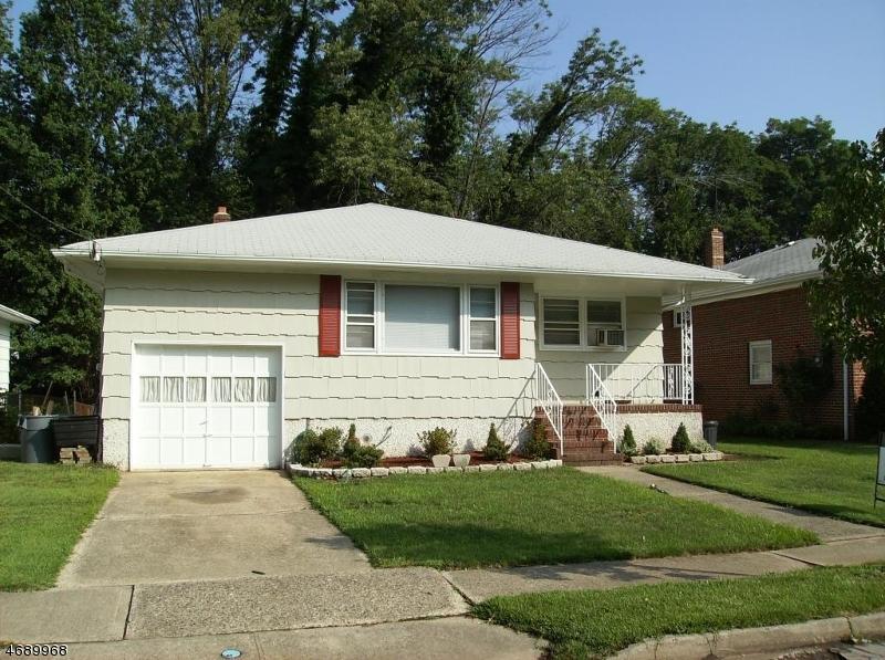 Casa Unifamiliar por un Alquiler en 2304 Ludlow Street Rahway, Nueva Jersey 07065 Estados Unidos